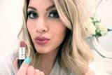 Помада для блондинки: вибір красивих відтінків, приклади та ідеї з фото